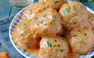 Подлива для котлет — 8 рецептов соуса-подливки
