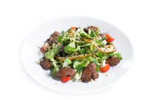 Салат с куриной печенью — 11 рецептов, включая теплый салат
