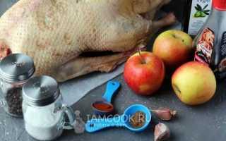 Гусь с яблоками в рукаве рецепт