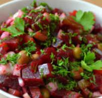 Салат со свеклой и огурцами: вкуснее не бывает