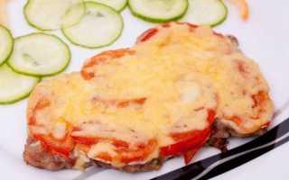 Отбивные с помидорами и сыром, в духовке запеченные: простые рецепты