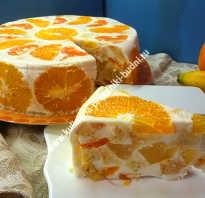 Бисквитный торт с фруктами, желе и сметанным кремом