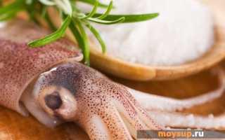 «Нежный» салат с кальмарами, ананасами и сыром