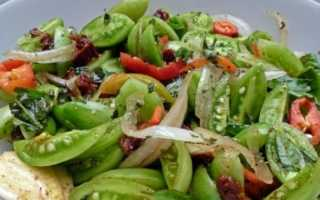 Быстрый салат из зеленых помидор с чесноком