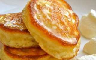 Как приготовить оладьи на кефире, пышные и вкусные — 8 рецептов