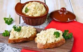 Аппетитные закуски: тертый сыр с яйцом, майонезом, чесноком