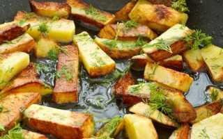Жареная картошка с золотистой корочкой на сковороде. Рецепты вкусно пожареной картошки