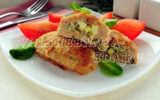 Мясные зразы с начинкой из яйца и лука