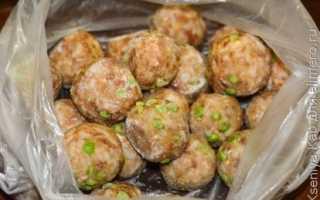 Тефтели с подливкой на сковороде — 9 рецептов