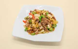 Салат с маринованными огурцами – 8 рецептов приготовления