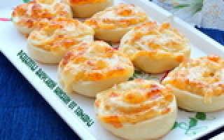 Легкий рецепт приготовления вкусных булочек с сыром
