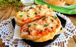 Мини пицца на батоне в духовке — вкуснейший завтрак для всей семьи
