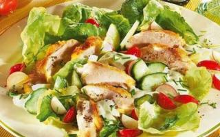 Салаты с куриной грудкой: Топ 9 самых востребованных рецептов
