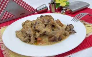 Свинина тушеная в сметане с овощами, грибами, сыром. Готовим свинину тушеную в сметане в духовке, сковороде, мультиварке