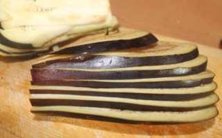 Сыр вашему дому! Салат с грушами и грецкими орехами, фаршированные финики, рулетики из баклажанов и другие летние рецепты с сыром