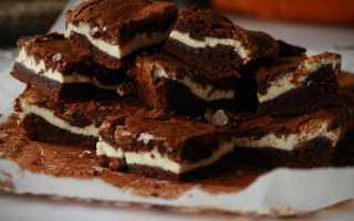 Шоколадная выпечка с творожной начинкой