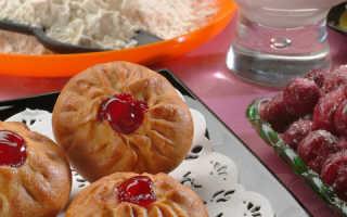 Пирожки с черешней из дрожжевого теста. Вкусные домашние пирожки с ягодой!