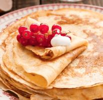 Заварные блины на молоке — 7 рецептов на кипятке с дырочками