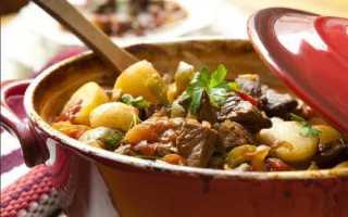 Жаркое из свинины с картошкой – рецепт с фото (в мультиварке, горшочках)
